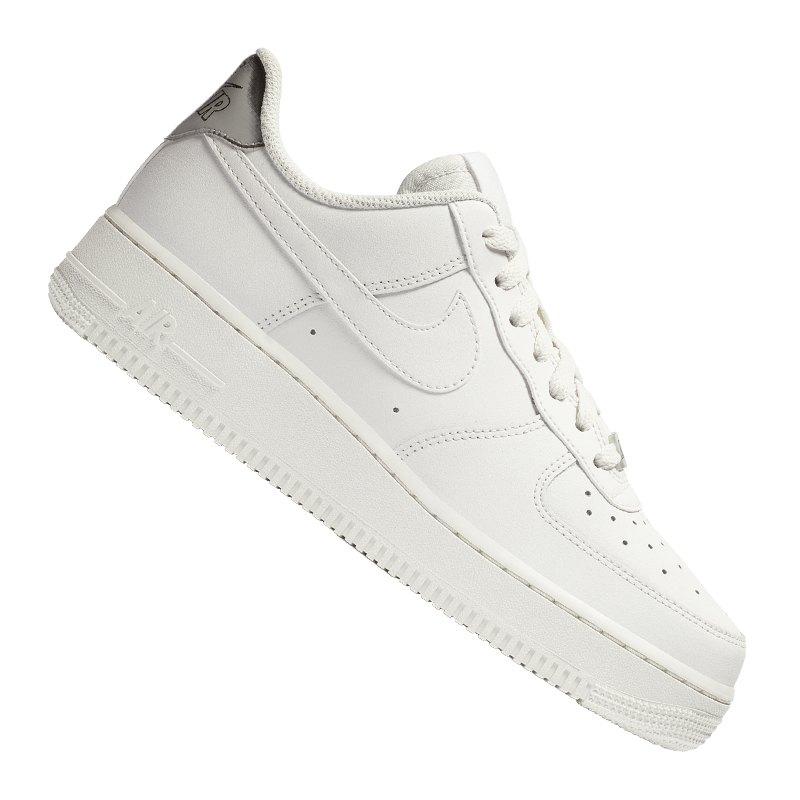 Nike Air Force 1 07 Essential Sneaker Damen F003