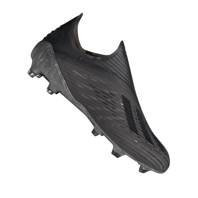 Adidas wird für überteuertes Teamwear Leicester City 18 19