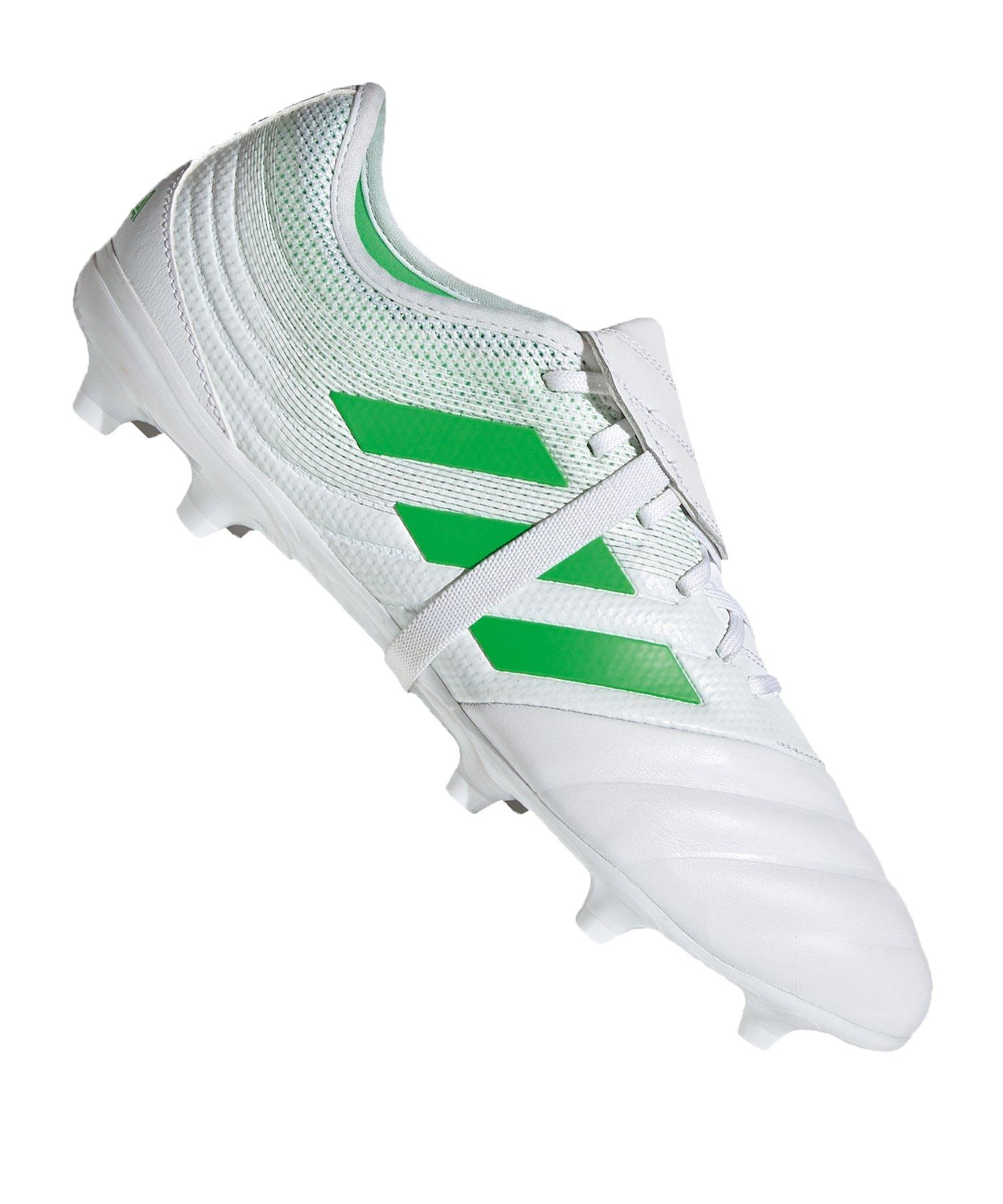 Adidas Fussballschuhe & bekleidung