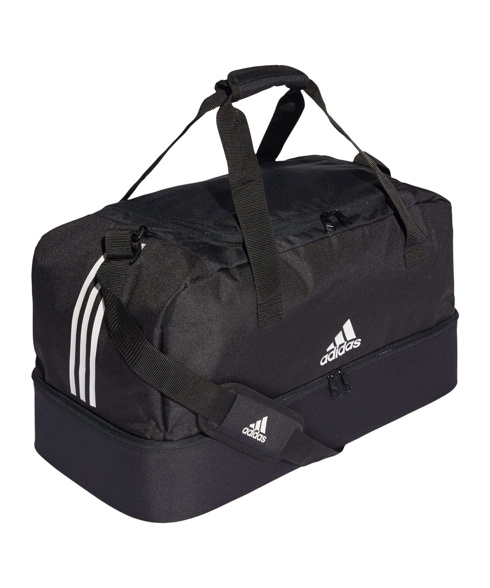 9b6392380517b adidas Tiro Duffel Bag Gr. M mit Bodenfach Schwarz - schwarz