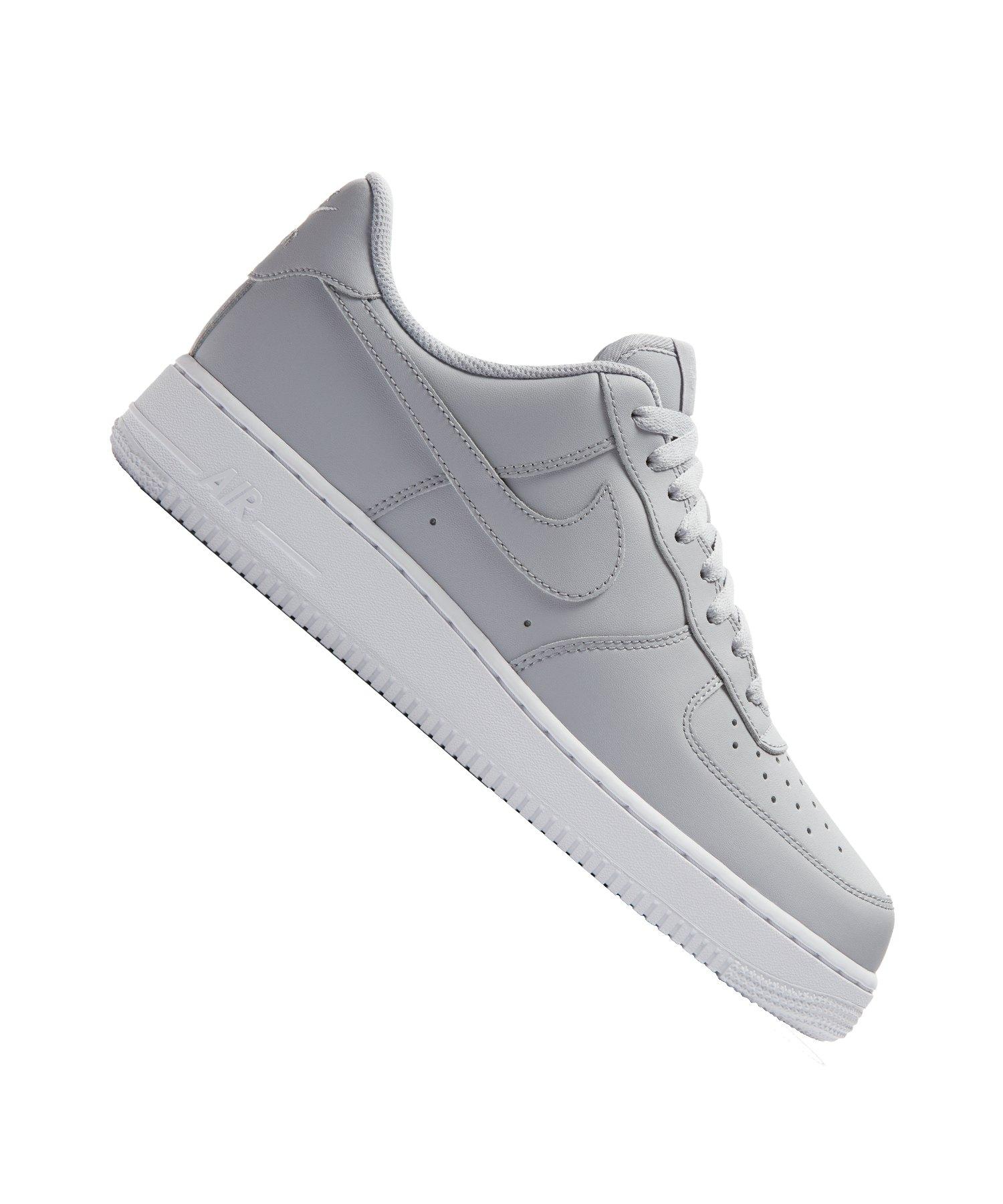 on sale 56473 82cd7 Nike Air Force 1 07 Sneaker Grau Weiss F010 - grau