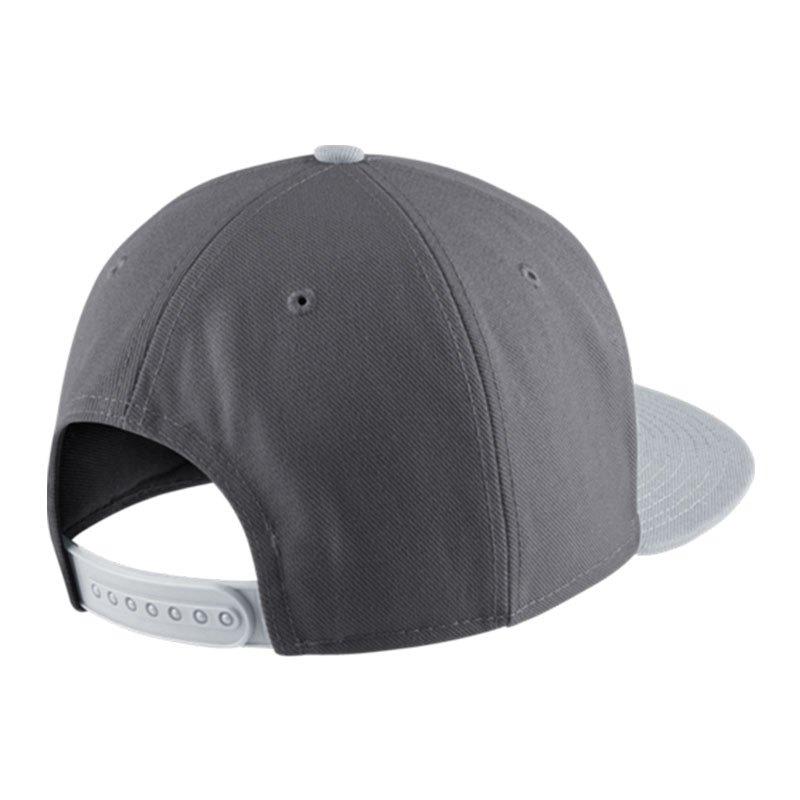 Nike Caps Grau