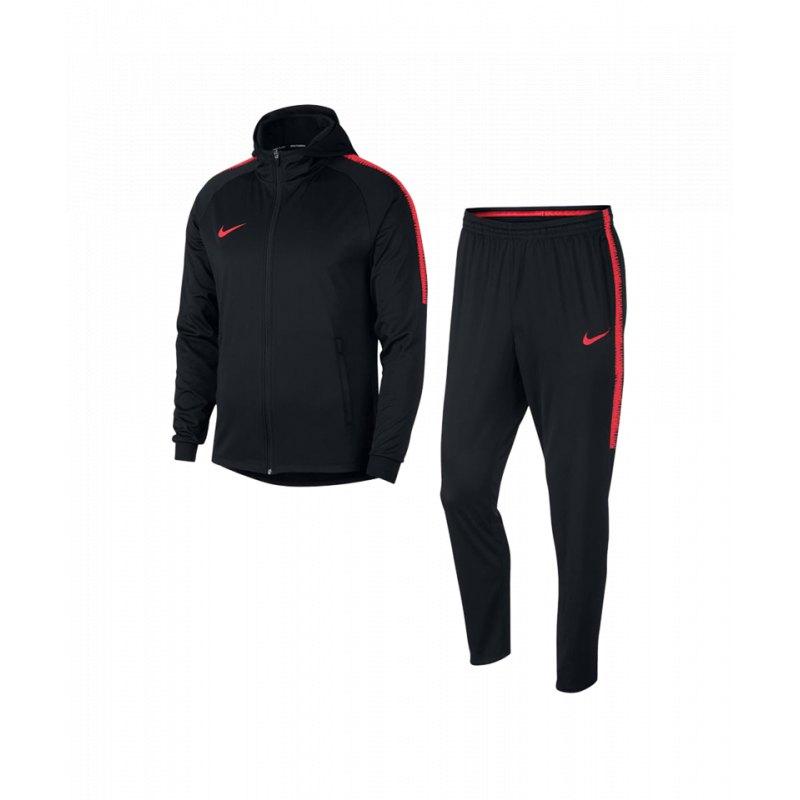 Nike Anzüge