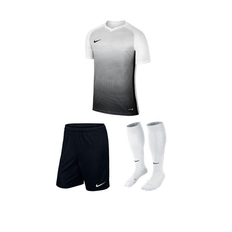 Nike Lunar Magista II Flyknit FC Sneaker F100   Sneaker