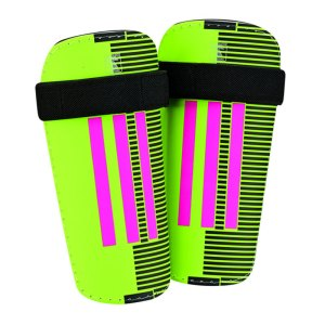 adidas-11-lite-schienbeinschoner-schoner-schuetzer-schienbeinschuetzer-equipment-ausstattung-gruen-schwarz-ah7788.jpg