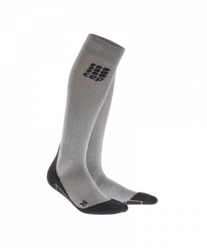 cep-metalized-socks-socken-running-silber-schwarz-laufen-joggen-laufsocken-struempfe-training-men-herren-wp5449.jpg
