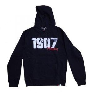 fc-augsburg-hoody-kapuzensweatshirt-lifestyle-1907-brustflock-stick-fanshop-fanartikel-schwarz-fca15661.jpg