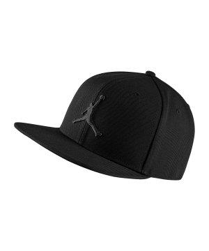 jordan-pro-jumpman-snapback-kappe-schwarz-f011-lifestyle- d8c358d68ce9