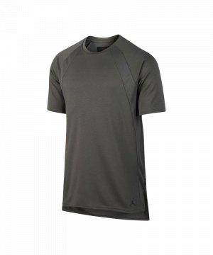 jordan-tech-t-shirt-grau-f018-freizeit-shortsleeve-kurzarm-lifestyle-860152.jpg