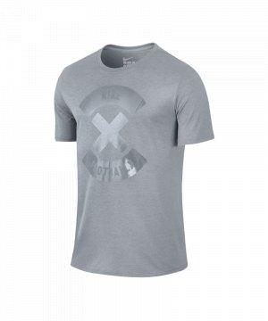 nike-football-x-logo-tee-t-shirt-grau-f012-lifestyle-freizeitshirt-men-herren-maenner-kurzarm-789385.jpg