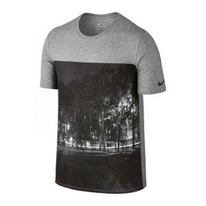 nike-photo-tee-t-shirt-grau-f063-freizeitbekleidung-lifestyle-herren-men-maenner-kurzarmshirt-832672.jpg
