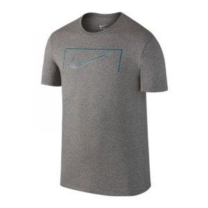 nike-swoosh-goal-tee-t-shirt-grau-f063-freizeit-lifestyle-streetwear-kurzarm-shortsleeve-men-herren-805583.jpg