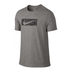 nike-swoosh-goal-tee-t-shirt-grau-f063-lifestyleshirt-freizeit-herrenbekleidung-men-maenner-789389.jpg