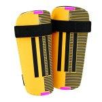 adidas-11-lite-schienbeinschoner-schoner-schuetzer-schienbeinschuetzer-equipment-ausstattung-gold-schwarz-ah7787.jpg