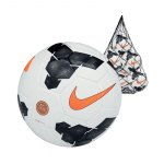 nike-club-team-ballpaket-10-trainingsbaelle-ballnetz-fussball-sport-set-sc2283-f107-weiss-schwarz.jpg